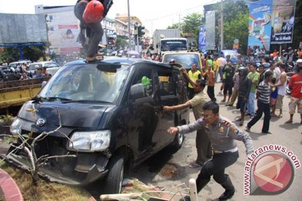 Tabrakan beruntun di Tanjungpinang satu orang tewas