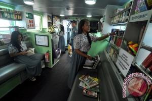 Perpustakaan terapung Pangkalan Utama TNI AL IV berlayar di Bintan