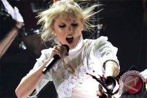 Taylor Swift menangi anugerah iHeartRadio