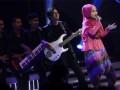 Finalis X Factor Indonesia Fatin Shidiqia Lubis tampil pada babak Gala Show Eliminasi X Factor Indonesia di studio 8 RCTI, Kebon Jeruk, Jakarta, Jumat, (1/3). X Factor Indonesia merupakan ajang kompetisi bernyanyi yang telah sukses di 40 negara dengan juri dari penyanyi dan pencipta lagu yakni Bebo Romeo, Rossa, Anggun dan Ahmad Dhani. (FOTO ANTARA/Teresia May)