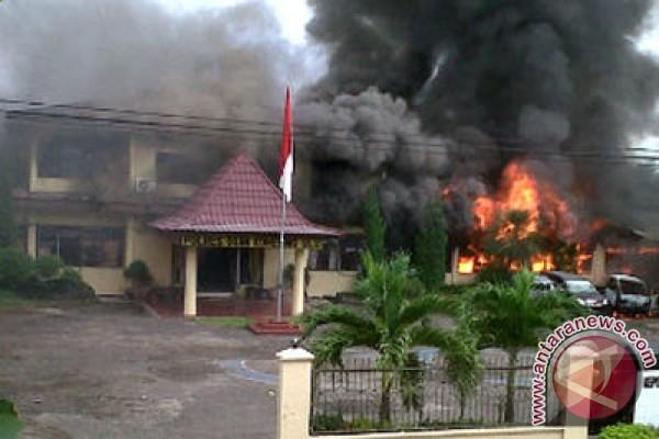 Bentrok TNI vs Polri naik 300 persen