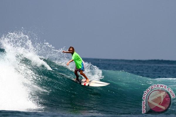 Kontes surfing meriahkan