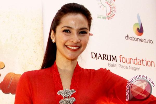Maudy Koesnaedi pakai gaun Sebastian Gunawan di Cannes