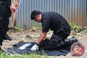 Gegana ledakkan bingkisan diduga bom di Bekasi