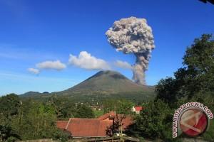 Aktivitas vulkanik Gunung Lokon masih fluktuatif