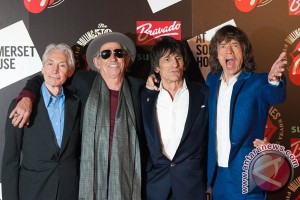 """Still evolving"" Rolling Stones open up rock `n` roll world to fans"