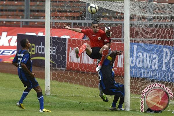 Hasil dan klasemen Liga Super Indonesia