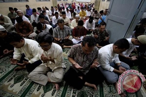 Sejumlah SMP di Semarang gelar doa bersama