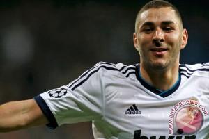 Benzema diragukan tampil lawan Manchester City