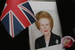 Minister told of love for Thatcher in newly released letter