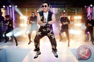 Psy sweeps Billboard`s six year-end charts