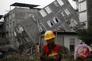 Gempa di Sichuan, china, tewaskan 13 orang, termasuk 6 wisatawan