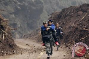 77.000 siswa terpengaruh gempa di China