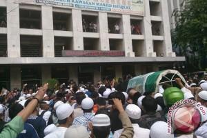 Pelajar Bogor shalat ghaib untuk ustad Uje