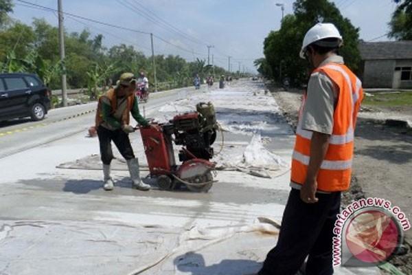 Bina Marga: jalan beton Bojonegoro rampung 2014