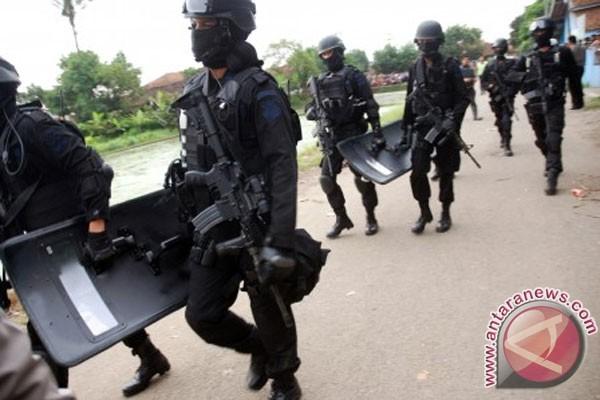Tujuh terduga teroris tewas tertembak saat penggerebekan