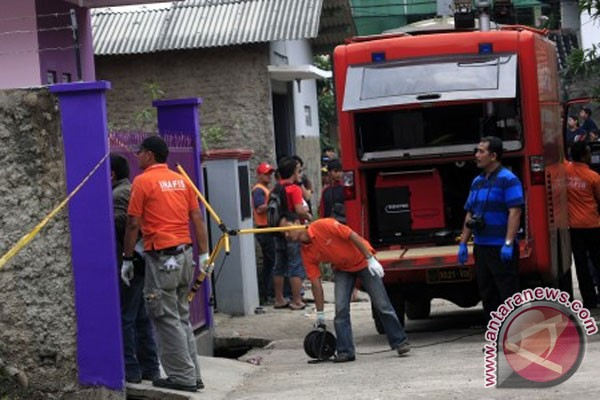 Polisi geledah rumah terduga teroris di Bandung