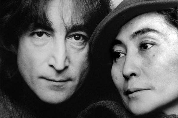 Yoko Ono paksa