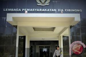 Susno Duadji dipisahkan dengan tahanan lain