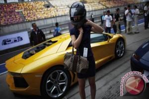 Saat 350 Lamborghini konvoi