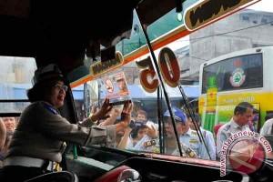Di Sukabumi, ketahuan merokok dalam angkot didenda Rp500.000