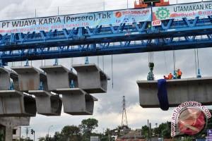 Jawa Barat bahas empat jalan tol yang sedang dibangun