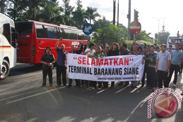 Penutupan tol Jagorawi, Polisi minta supir hentikan aksi