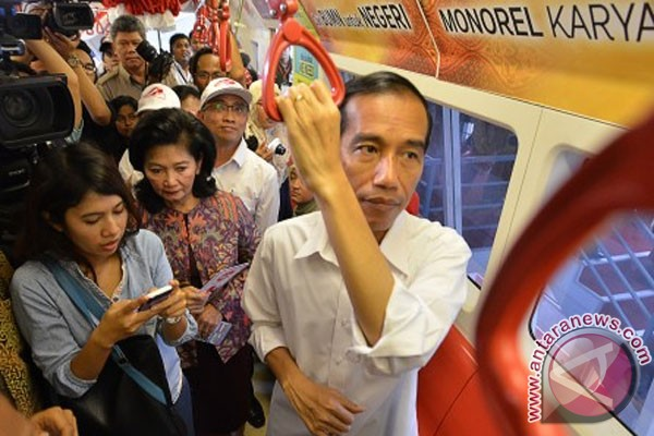 Jokowi: Jakarta butuh banyak moda transportasi massal