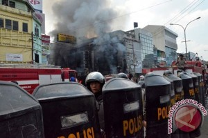 Pengusaha Palembang minta pelaku pembakaran toko diusut