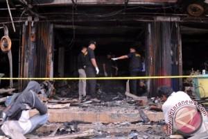 Empat unit toko di Pasar Ampera terbakar