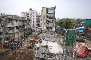 10 orang tewas akibat bangunan ambruk di Mumbai, India