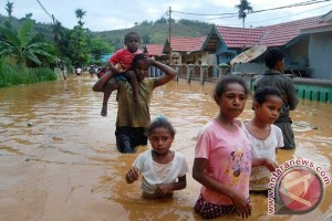 Jayapura banjir, satu rumah hanyut