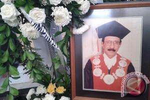 In memoriam: DH Assegaf wartawan multitalenta