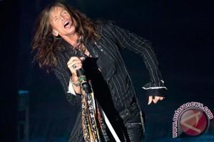 Steven Tyler tak sehat, Aerosmith perpendek tur