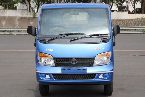 Pick up Tata Ace bermesin diesel 700cc