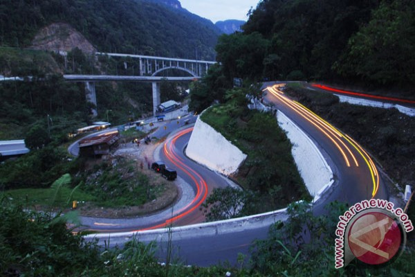 Jembatan Kelok-9 selesai 100 persen