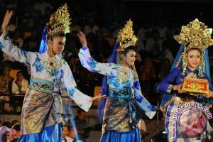 Kegiatan resmi di Riau wajib sajikan tari persembahan dan pantun