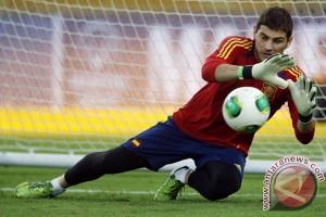 Casillas cetak rekor saat Spanyol ditahan Rumania 0-0