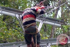 Separuh desa di Indonesia belum teraliri listrik