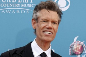 Randy Travis kritis