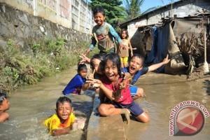 Pemkot Bekasi perbaiki tanggul Pondok Mitra Lestari