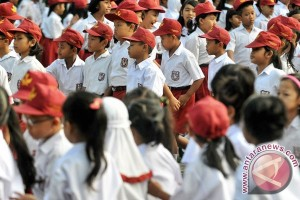 Orangtua diingatkan antar anak ke sekolah