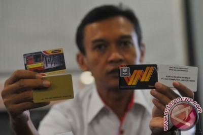 Commuter Jabodetabek kembangkan e-money