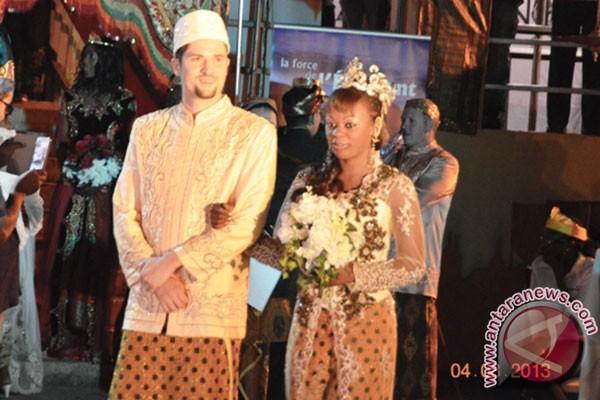 pernikahan tradisional indonesia digelar di kongo