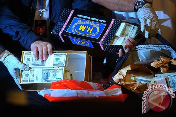 Uang dalam kasus suap Ketua SKK Migas
