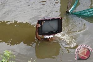 Banjir tewaskan lebih dari 160 warga Asia selatan