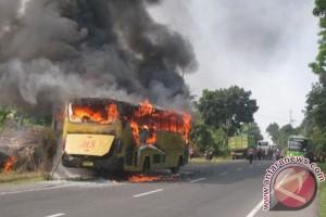 35 tewas dalam kebakaran bus di China
