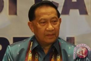 EE Mangindaan melaju ke Senayan
