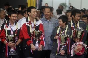 Gita Wirjawan tantang Ricky-Rexy