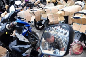 Ratusan sepeda motor pemudik tiba di Solo